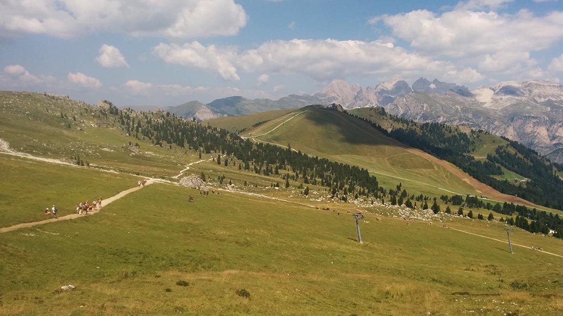 Walking from the Passo Sella to the Comici hut
